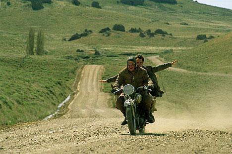 Diarios de motocicleta (2004) de Walter Salles. USA, Argentina, Chile y Francia.